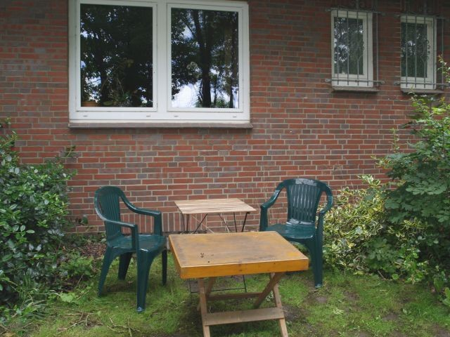 Die Sitzecke vor dem Haus