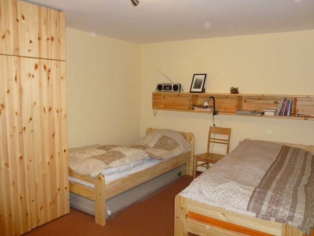 Grosses Schlafzimmer, auch als Doppelbett