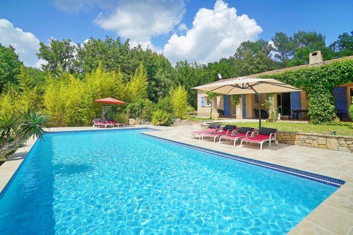 Ferienhaus mit Pool in Flayosc im Hinterland der Cote dAzur in Südfrankreich