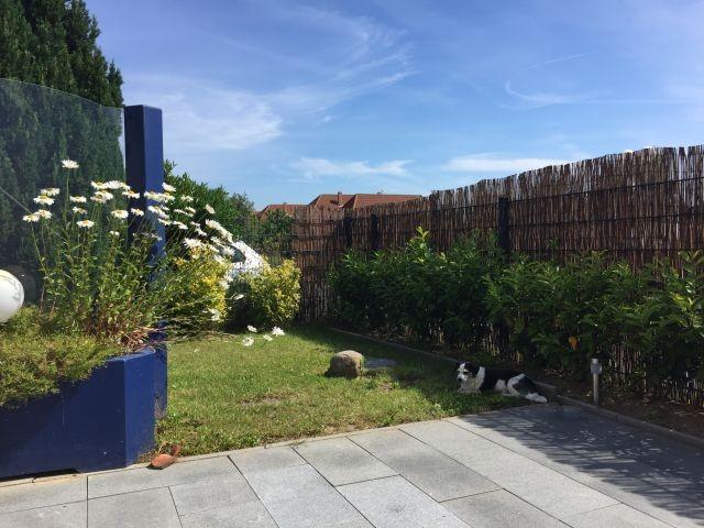 eingezäunter Terrassen-/Gartenbereich