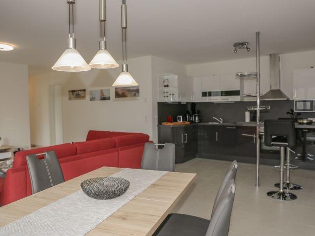 Küche und Wohnzimmer in Kombination