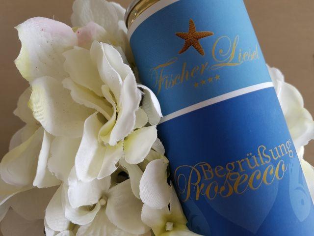 Wir begrüßen Sie mit Prosecco