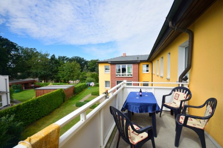 Balkon mit kleinem Ostseeblick im Winter