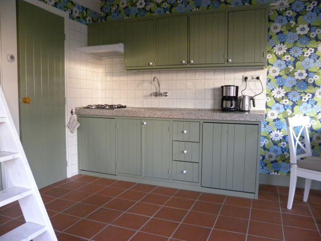 Voll ausgestattete Küche mit u.ä. spülmaschine
