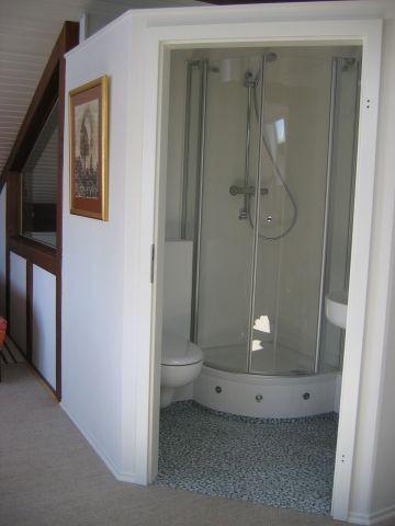Galerie-Bad mit LED,  WC, Dusche, Waschtisch, Spiegel