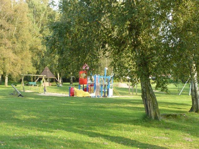 der Spielplatz am See
