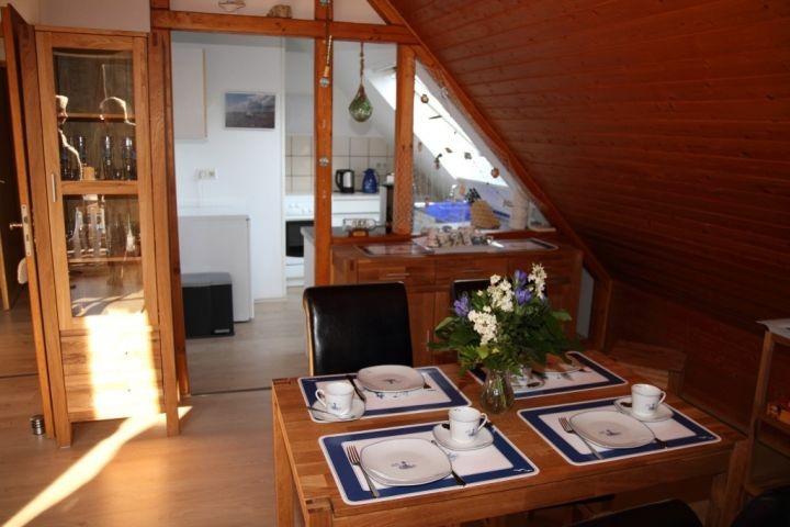 Wohnzimmer Essecke mit Blick in die Küche