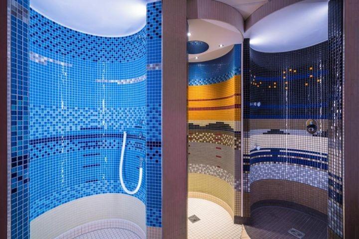 Duschbereich im Wellnessbereich