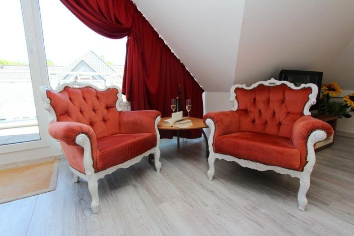 gemütliche Sessel im Wohnzimmer