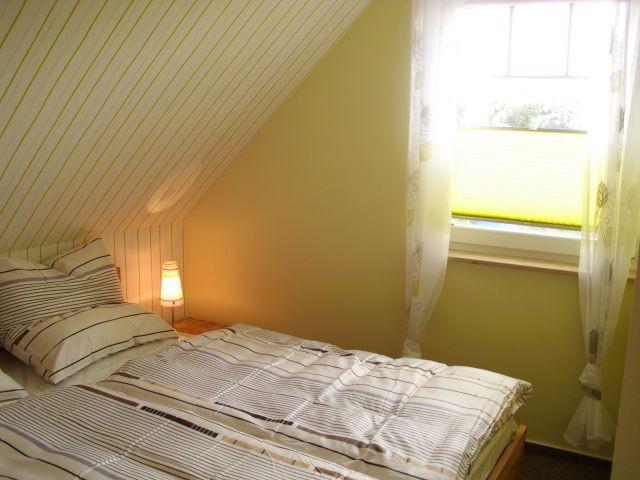 Schlafzimmer, Bett 180x200