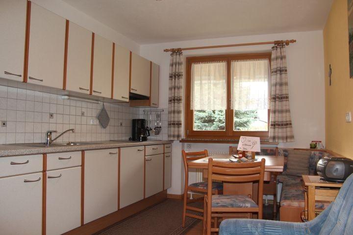 Wohnküche  Ferienwohnung  Chavalatsch