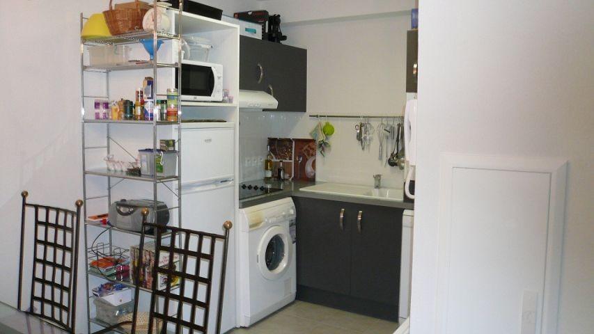 Komplett ausgestatteter Küchenbereich