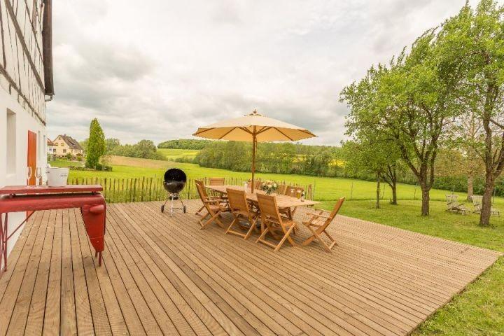 Mit Aussicht: Die Terrasse ist ideal für alle Sonnenstunden des Jahres