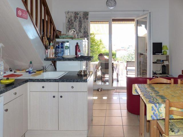 Blick von Küche nach draußen FeHaus Soleil