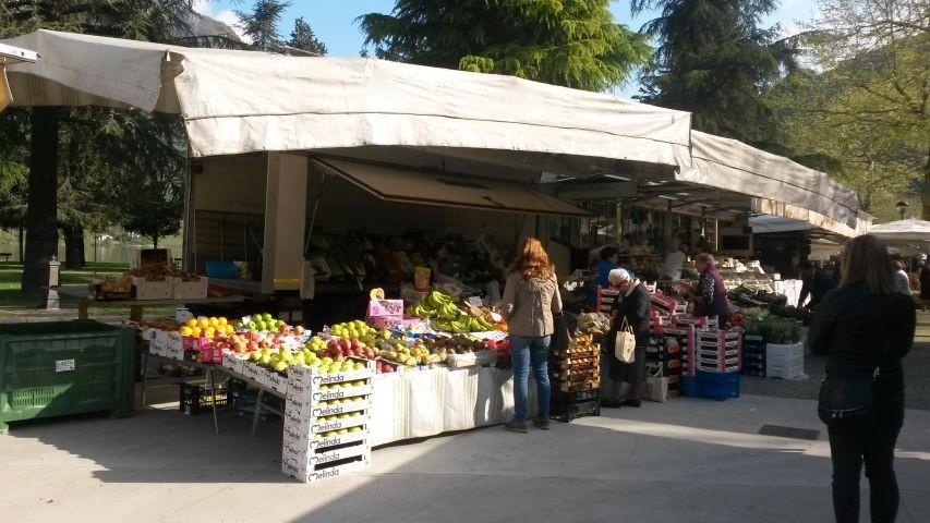 jeden Mittwoch ist Markt in Crone