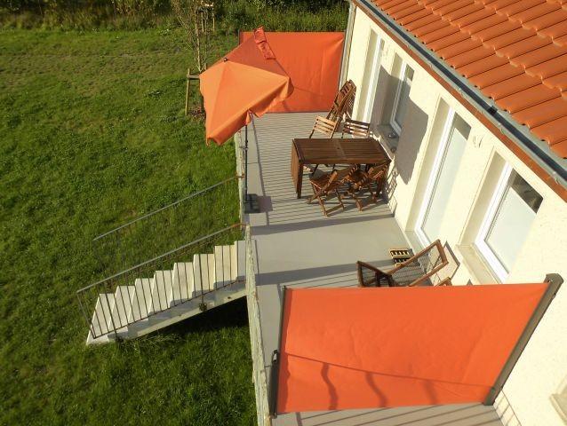 Große Terrasse vor der Ferienwohnubng
