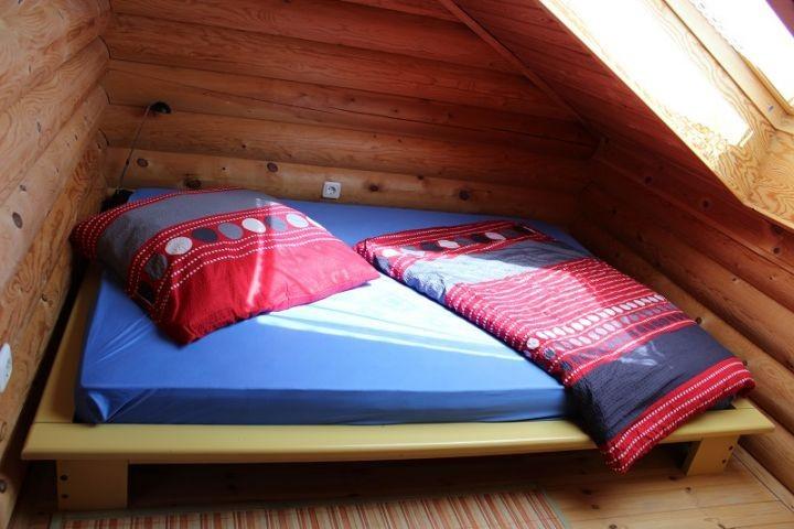 Französisches Bett im Jugendzimmer
