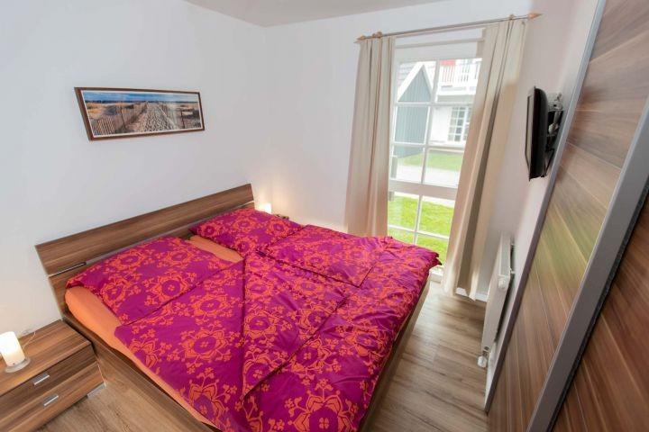 Das gemütliche Schlafzimmer mit TV