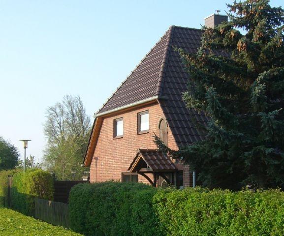 Ferienhaus in der Strassenansicht
