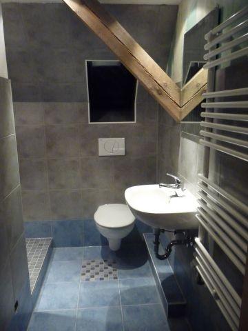 Bad mit Dusche und WC im 1.OG