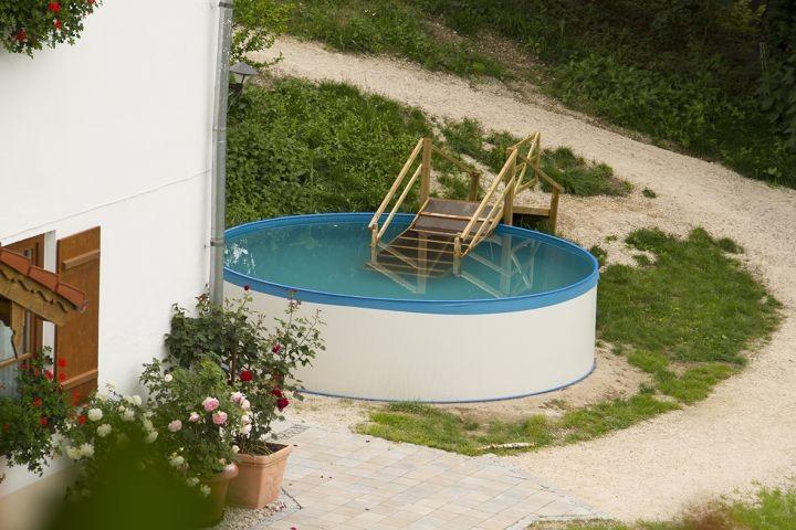 Der Hundepool steht im Sommer allen Gästen zur Verfügung