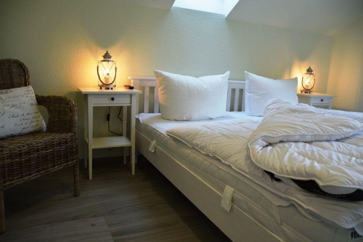 Doppelbettschlafzimmer I mit TV