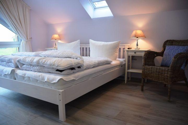 Doppelbettschlafzimmer II mit TV