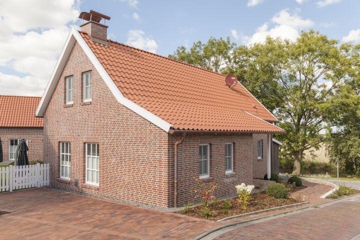 Haus Jan mit Blick auf das Siel