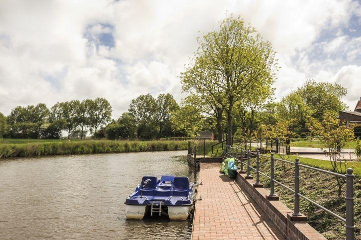 Eigener Bootssteg (zusammen mit den Häusern Backbord und Steuerbord)