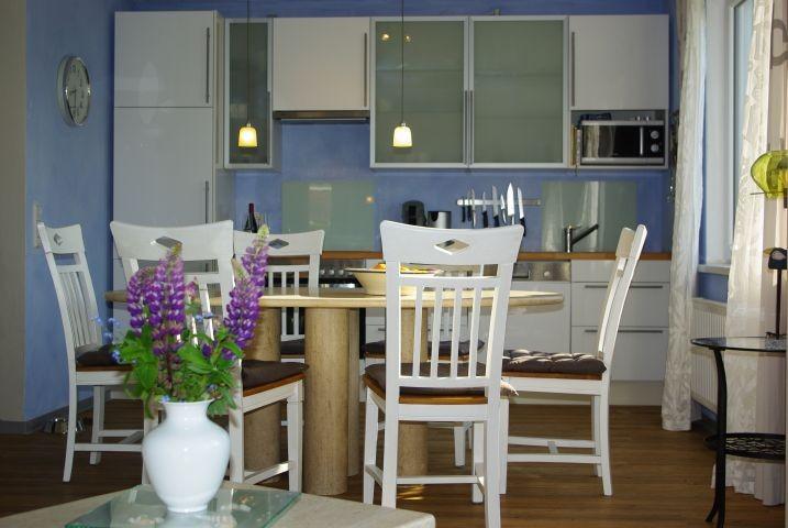 gut ausgestattete Küche...