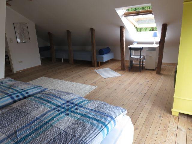 Schlafzimmer 1 - groß