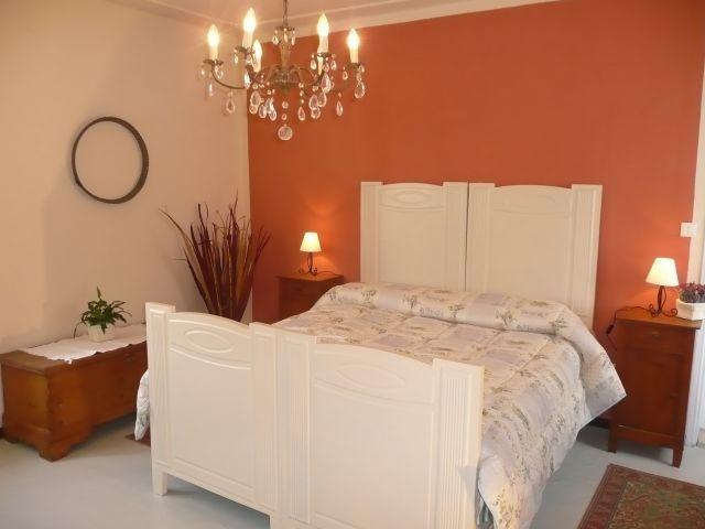 Erste Etage : Schlafzimmer mit Doppelbett