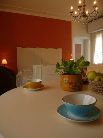 Erste Etage : Schlafzimmer mit Esstisch