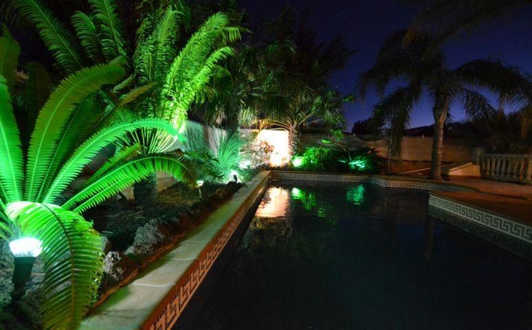 Wasserfall  in den Pool von Casa Solimar