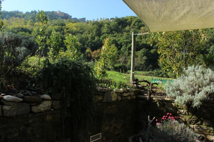 Blick von der Terrasse zum Nachbarort
