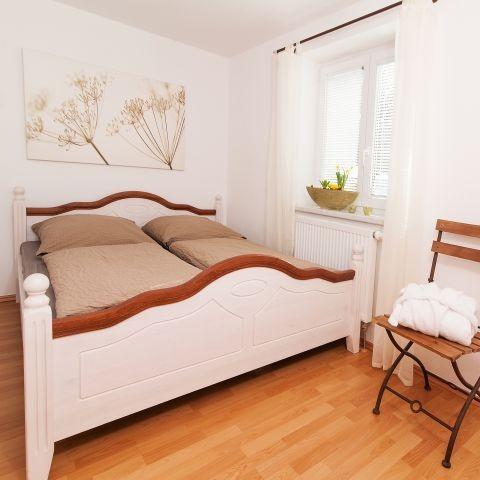 Schlafzimmer 2 mit Tresor,.......