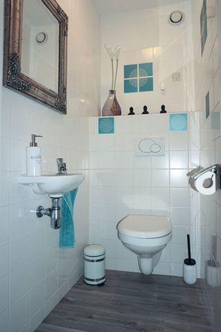 Separates frisch renoviertes WC