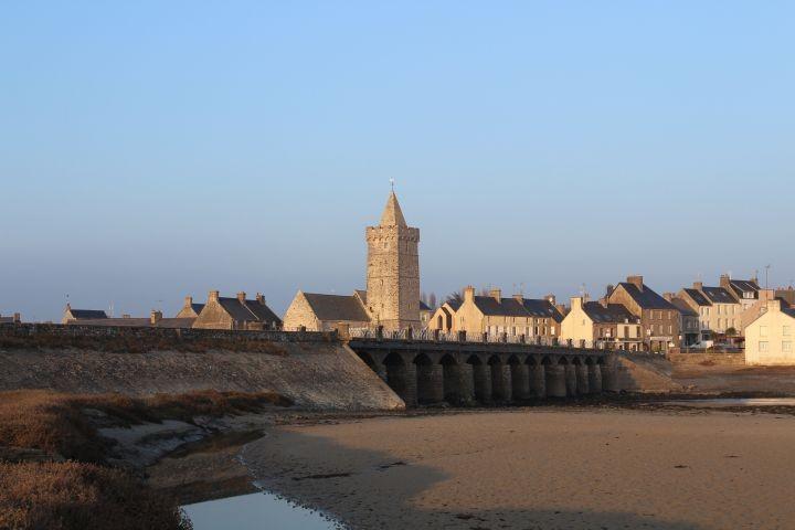 Portbail und die alte Kirche