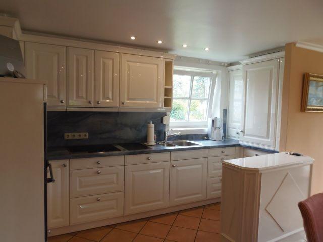 Exklusive Wohnküche mit allem Komfort