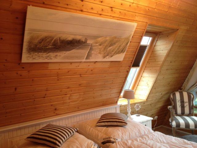 Panorama-Schlafzimmer mit Doppelbett und herrlichem Meerblick (auch vom Bett aus)