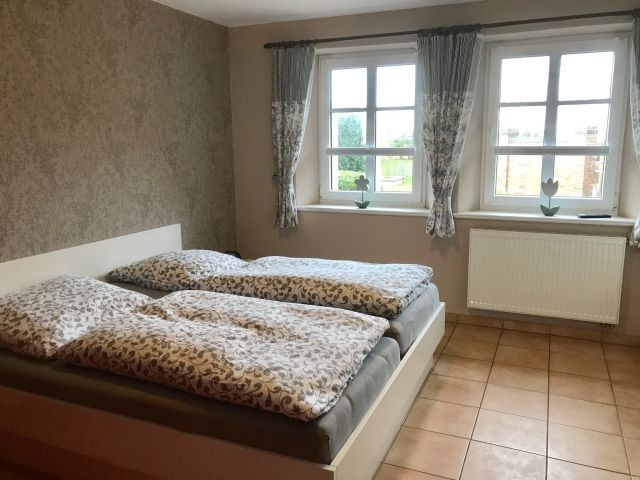 Schlafzimmer 1  mit Flachbild Fernseher