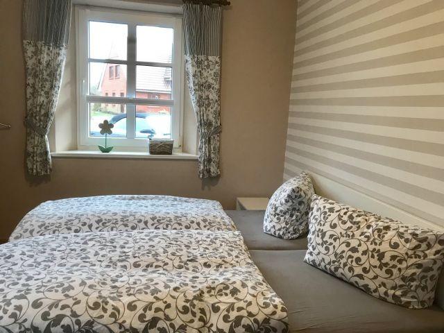 Schlafzimmer 3 mit Flachbild Fernseher