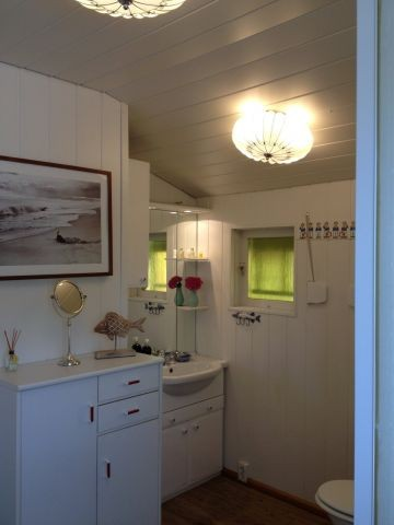 Großzügig geschnittenes Badezimmer