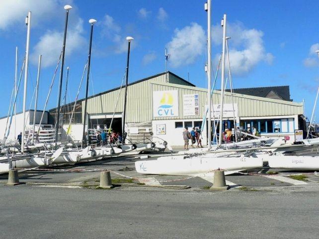 Die Aberwrac'h Hafen ist ca. 2 Km vom Haus , im hafen befindet sich eune Surf -und Tauchschule