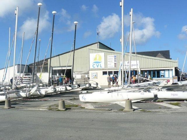 Aberwrach Hafen 2 Km vom Haus. Segelschule-und Tauchschule.