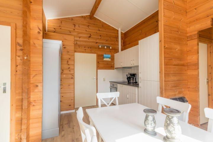 Die neue, offene Küche mit allem Komfort, wie Spülmaschine