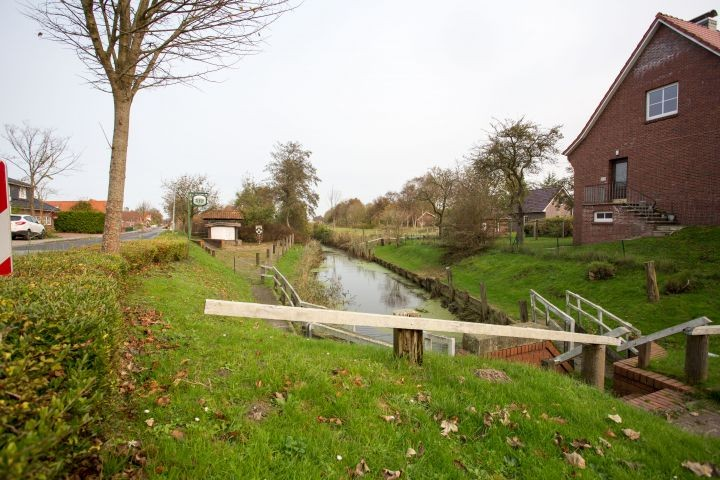 Alter Hafen am Ortseingang