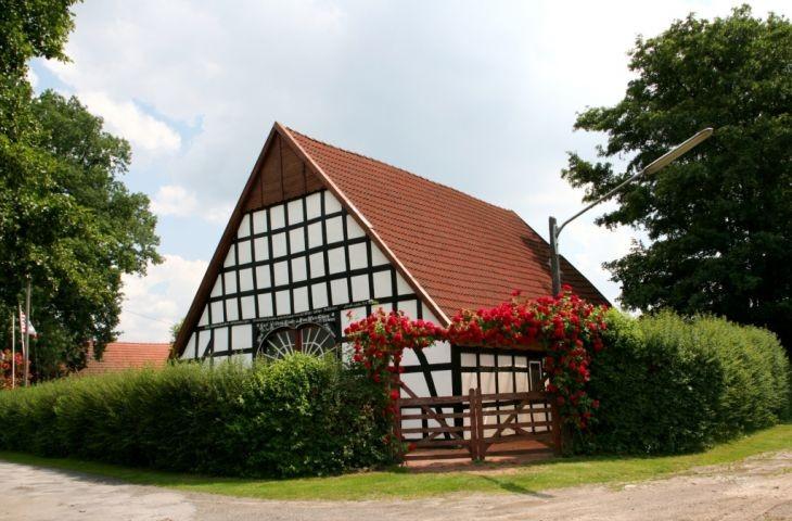 Ferienhaus mit Einfahrt zum Carport