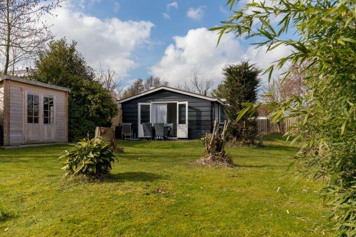 Das tolle, gemütlich eingerichtete Ferienhaus, am Rande vom Wald, nahe Strand