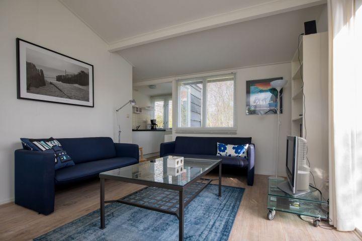 Die Sitzecke mit Fernseher
